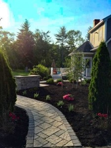 Portsmouth NH Front Yard Landscape - Walkway made with pavers