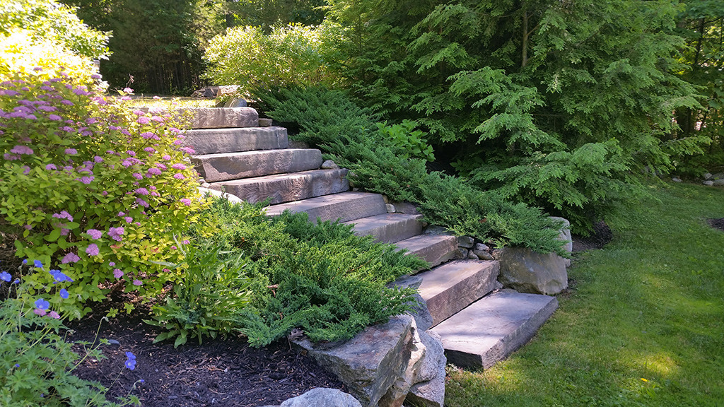 Wolfboro NH Stairs built into a retaining wall