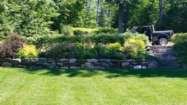 Wolfboro NH Retaining Wall with Stairs