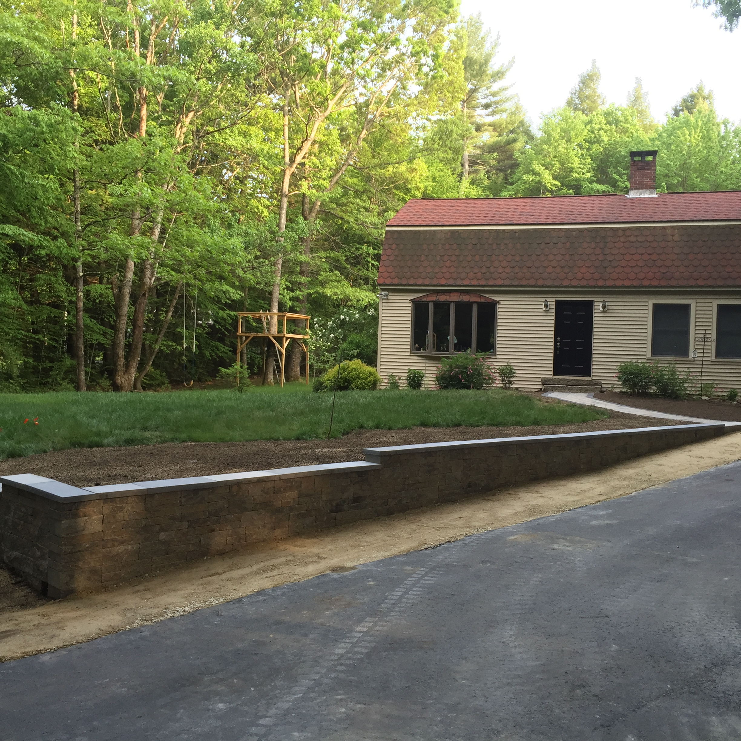Retaining wall next to driveway new hampshire