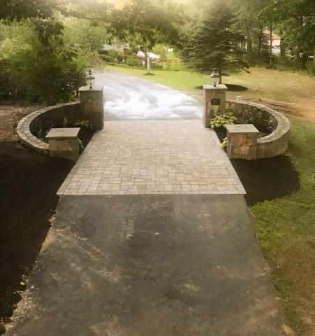 Driveway Entrance Garden - Portsmouth Landscaping